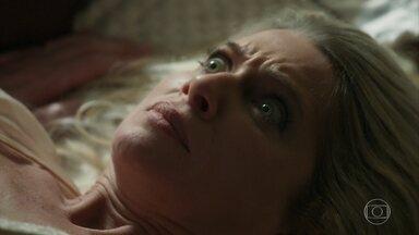 Marilda vê rosto de Fabim ao se deitar com Eurico - Ela se assusta e grita, mas consegue disfarçar