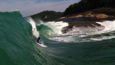 Bodyboarding no slab do Miro