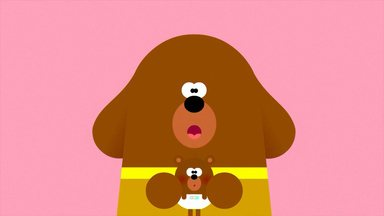 Duggee E O Distintivo Do Filhote