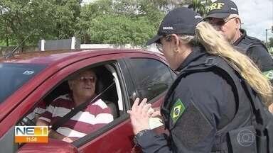Polícia Rodoviária faz operação especial de fiscalização para feriadão de Natal - Movimento nas estradas aumenta e é preciso atenção dos motoristas.