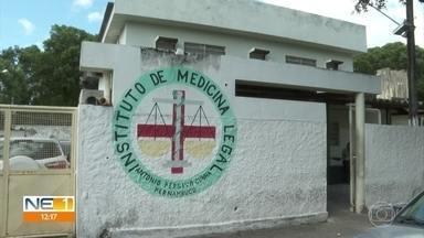 Família lamenta morte de mulher assassinada pelo ex-marido em uma academia de ginástica - Parentes da vítima estiveram nesta sexta (21) no Instituto de Medicina Legal, no Recife.