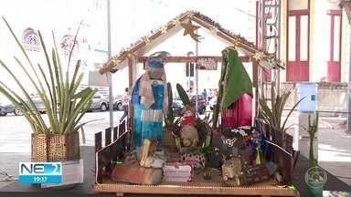 Concurso escolhe o melhor presépio feito por estudantes de escolas públicas - Alunos usaram material reciclável para montar a cena do nascimento de Jesus