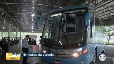 Empresas de ônibus reforçam operação no terminal rodoviário do Recife - Meta é atender os passageiros que saem da cidade para passar o Natal