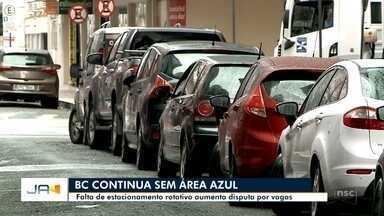 Com impactos no comércio, Balneário Camboriú segue sem estacionamento rotativo - Com impactos no comércio, Balneário Camboriú segue sem estacionamento rotativo