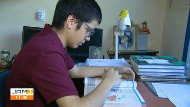 Estudante ganha o direito de cursar medicina no Amazonas - Estudante do primeiro ano do ensino médio, passou para o vestibular de medicina da UEA.