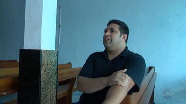 Pastor evangélico é suspeito de participar da fraude no gabinete do deputado Edu Olivera - Pastor seria um dos funcionários fantasmas do gabinete.