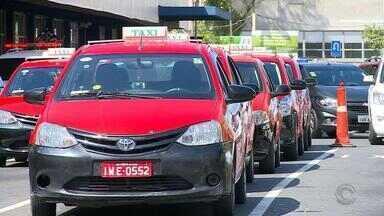 Alguns taxistas estão impedidos de dirigir por não realizar exame toxicológico - Porto Alegre é a primeira capital brasileira a exigir o exame.