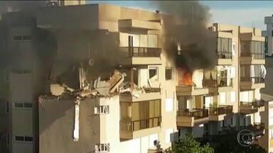Explosão seguida de incêndio deixa feridos em prédio no Rio Grande do Sul - Vazamento de gás destruiu dois apartamentos em Farroupilha
