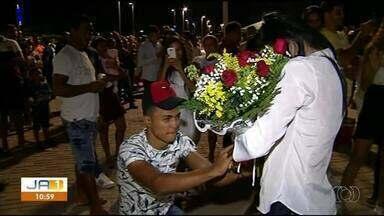 Festa de réveillon em Araguaína tem até pedido de casamento - Festa de réveillon em Araguaína tem até pedido de casamento