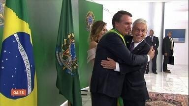 Mudanças na política externa é refletida na lista de convidados na posse presidencial - As mudanças anunciadas pelo governo Bolsonaro no rumo da política externa brasileira já se refletiram na lista de autoridades. Líderes de diversos países participaram da cerimônia de posse de Jair Bolsonaro.