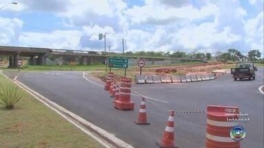 Acesso da Marechal Rondon para Avenida Getúlio Vargas é interditado para obras em Bauru - Interdição no acesso da Marechal Rondon para Avenida Getúlio Vargas é interditado para obras das marginais da rodovia.