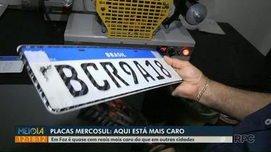 Motoristas pagam mais caro fazer a placa Mercosul em Foz do Iguaçu - Em Foz é quase cem reais mais caro do que em outras cidades.
