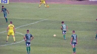 Votuporanguense marca no primeiro tempo e vence o Batatais pela Copinha - Debaixo de muito sol, o Votuporanguense venceu o Batatais, por 1 a 0, em partida foi realizada na tarde desta quinta-feira, na Arena Plínio Marin, em Votuporanga, pelo Grupo 11 da Copa São Paulo de Futebol Júnior.