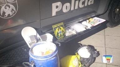 Três pessoas foram presas por tráfico de drogas em São José e Taubaté - Em uma delas foram encontrados 26 quilos de cocaína.