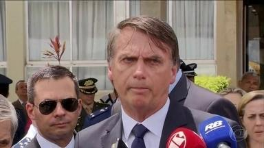 Bolsonaro afirma proposta de mudança na idade mínima para aposentadoria - Uma das propostas para a Reforma da Previdência é mudar a idade mínima de 62 anos para os homens se aposentarem e 57 anos para as mulheres.