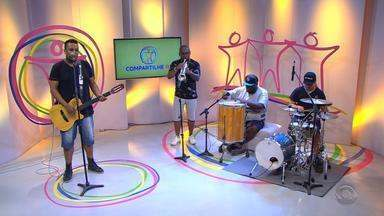 Kadinho & Banda conta história da carreira e canta no Compartilhe RS - Assista ao vídeo.