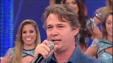 Reveja momento hilário com Nelson Freitas no palco do 'Domingão' - O ator relembra piada feita em 2012