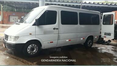 Polícia argentina apreende três toneladas de camarão em van que atravessava a fronteira - O veículo também foi apreendido.