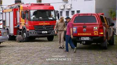 Ladrões tentam assaltar banco e um deles morre soterrado - O caso foi registrado em Curitiba.