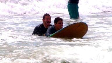 No 3º episódio sobre autismo no esporte, conheça Júlio, que vem se desenvolvendo no surfe - No 3º episódio sobre autismo no esporte, conheça Júlio, que vem se desenvolvendo no surfe
