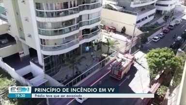 Moradores evacuam prédio em Vila Velha, no ES, após princípio de incêndio - O Corpo de Bombeiros foi acionado e apesar do susto ninguém ficou ferido.