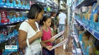 Compra de material escolar já movimenta lojas em Presidente Prudente - Clientes tentam conseguir produtos sem aumento nos preços.