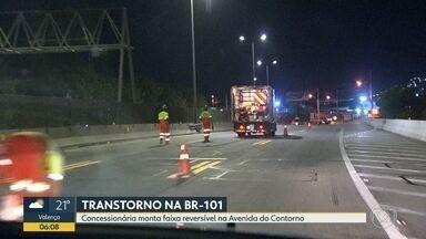 Concessionária monta pista reversível na Avenida do Contorno, em Niterói - Na quinta-feira (10), parte de um viaduto foi interditado por causa de um incêndio.