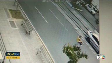 Mulher baleada no Bigorrilho recebe alta - Ela conversava com uma amiga quando recebeu o disparo.