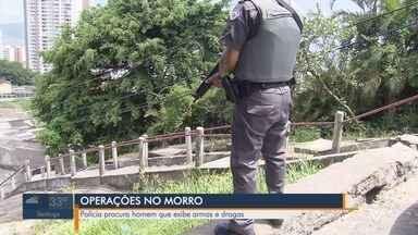Criminoso morre durante troca de tiros com policiais em morro de Santos - A ação tenta localizar um rapaz que apareceu em imagens em uma rede social ostentando armas e drogas. Entorpecentes foram localizados e apreendidos.