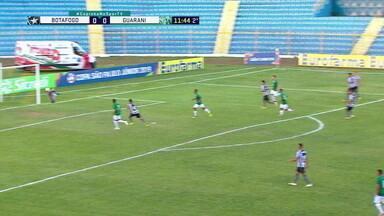 206c72feb717e 11  2º tempoLance ImportantePedro Henrique chuta de fora da área e goleiro  do Botafogo faz bela defesa