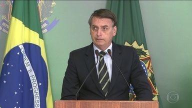 Bolsonaro assina decreto que facilita posse de arma - Texto aumenta as situações que podem comprovar a efetiva necessidade da posse de uma arma e amplia validade do registro feito na Polícia Federal de cinco para dez anos.