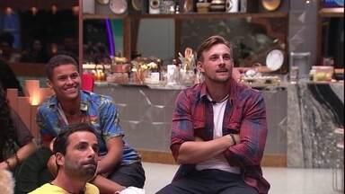 Diego quer saber como será a divisão das camas - Brother indaga Tiago Leifert