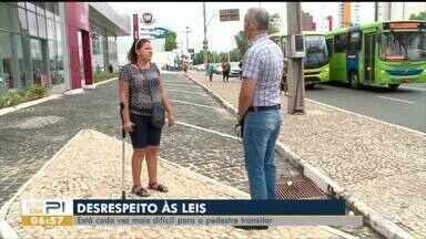 Ocupação irregular das calçadas atrapalha a vida do pedestre - Ocupação irregular das calçadas atrapalha a vida do pedestre