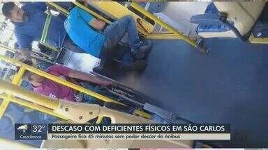 Ônibus de São Carlos têm problemas de acessibilidade para pessoas com deficiência - Um passageiro ficou preso durante 45 minutos no transporte, porque a trava do elevador estava quebrada.