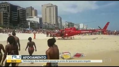Helicóptero do Corpo de Bombeiros aterriza na Praia de Ipanema - A vítima de afogamento está internada em estado grave no Hospital Miguel Couto.
