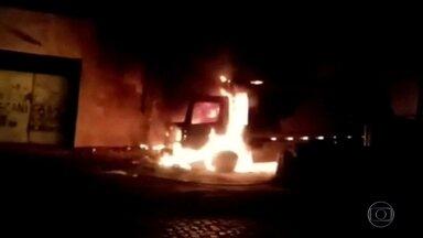 Onda de violência no Ceará completa 20 dias - Bandidos puseram fogo em duas escolas públicas e numa subestação de distribuição de energia.