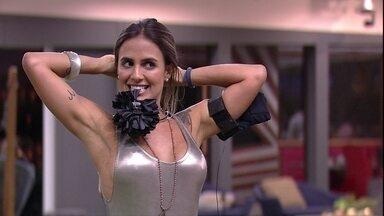 Isabella fala sobre a noite de formação de Paredão: 'Estou meio tensa' - Isabella fala com Carolina
