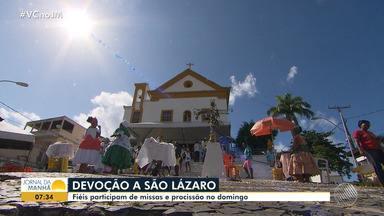 Fiéis celebram o Dia de São Lázaro com procissão e missas no bairro da Federação - Na igreja dedicada ao santo, católicos e adeptos do candomblé celebraram juntos, como já é tradição.