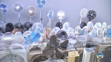 Morador de Itatiba coleciona ventiladores - Um morador de Itatiba (SP) coleciona ventiladores.