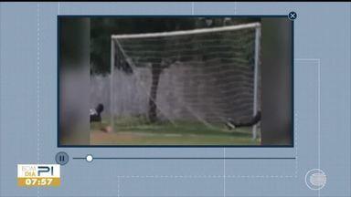 Interatividade: telespectador manda vídeo para análise de gol - Interatividade: telespectador manda vídeo para análise de gol