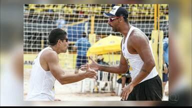 Álvaro Filho e Ricardo festeja bom início na retomada da parceria - Dupla vem de um outro na etapa maranhense do Circuito Brasileiro de vôlei de praia