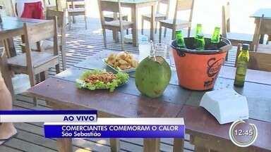 Comerciantes de São Sebastião comemoram o calor - Praia está movimentada.