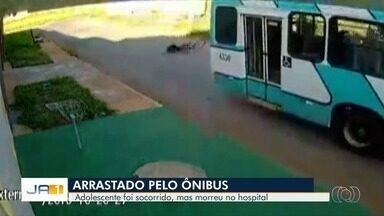 Adolescente morre ao ser atropelado por ônibus em Cidade Ocidental - Vídeo mostra momento do acidente.
