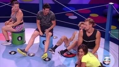 Prova do Líder Dança das Cadeiras: Alan é o primeiro eliminado - Prova do Líder Dança das Cadeiras: Alan é o primeiro eliminado