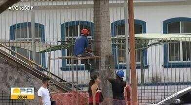 Passarelas na avenida Almirante Barroso entram em reforma - uma delas foi interditada e pegou muita gente de surpresa.