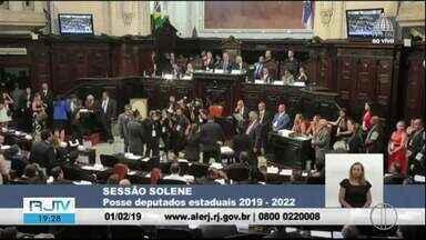 Cinco deputados estaduais da região tomam posse na Alerj - Assista a seguir.