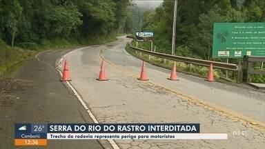 Trecho da Serra do Rio do Rastro segue interditado após apresentar rachaduras na pista - Trecho da Serra do Rio do Rastro segue interditado após apresentar rachaduras na pista