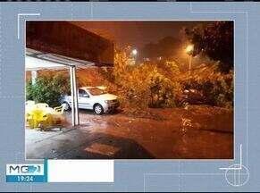 Depois de vários dias com intenso calor, chuva em Montes Claros prova alguns estragos - Choveu cerca de 25 milímetros, segundo o Corpo de Bombeiros.