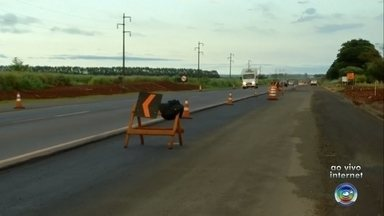 DER realiza obras de interdição em trechos da Rodovia Raposo Tavares - O Departamento de Estradas de Rodagem (DER), inicia obras em trechos da Rodovia Raposo Tavares, nesta quarta-feira (6).