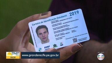 Carteiras de estudante estão disponíveis para solicitação via internet - Alunos de escolas públicas ou privadas devem acessar o site www.granderecife.pe.gov.br.